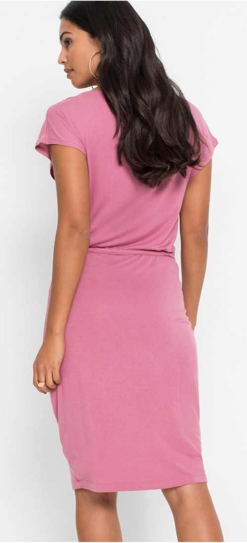 Růžové letní šaty z lehkého materiálu