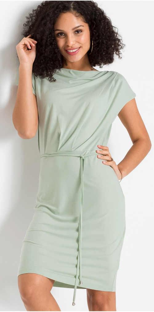Světle zelené letní šaty s krátkým rukávem