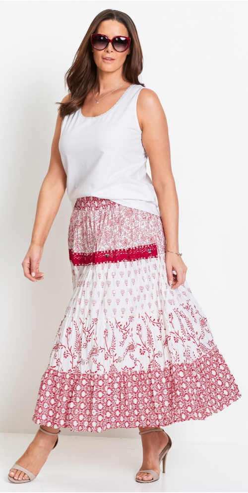 Bílé dámské letní tílko k dlouhé sukni