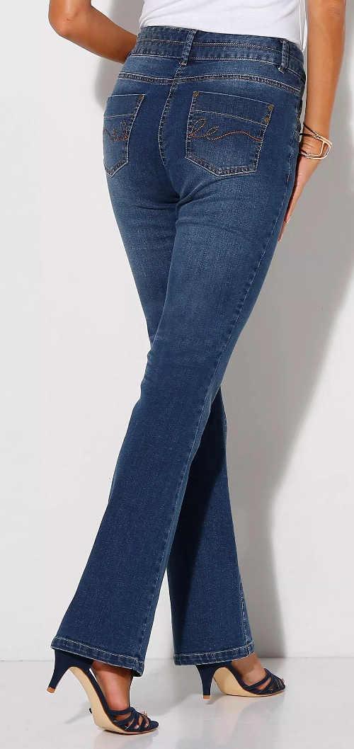 Moderní strečové džíny pro plnoštíhlé