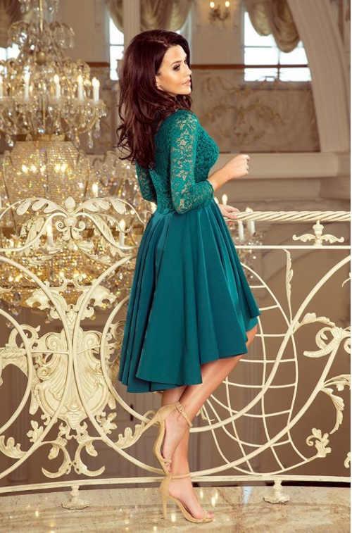 Krásné společenské šaty v působivé zelené