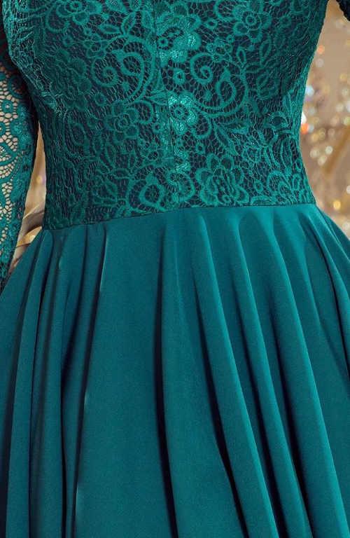 Moderní a elegantní šaty pro ženy s konfekcí size plus