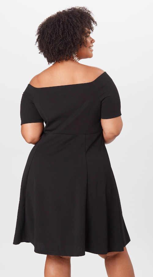 moderní šaty v černém provedení