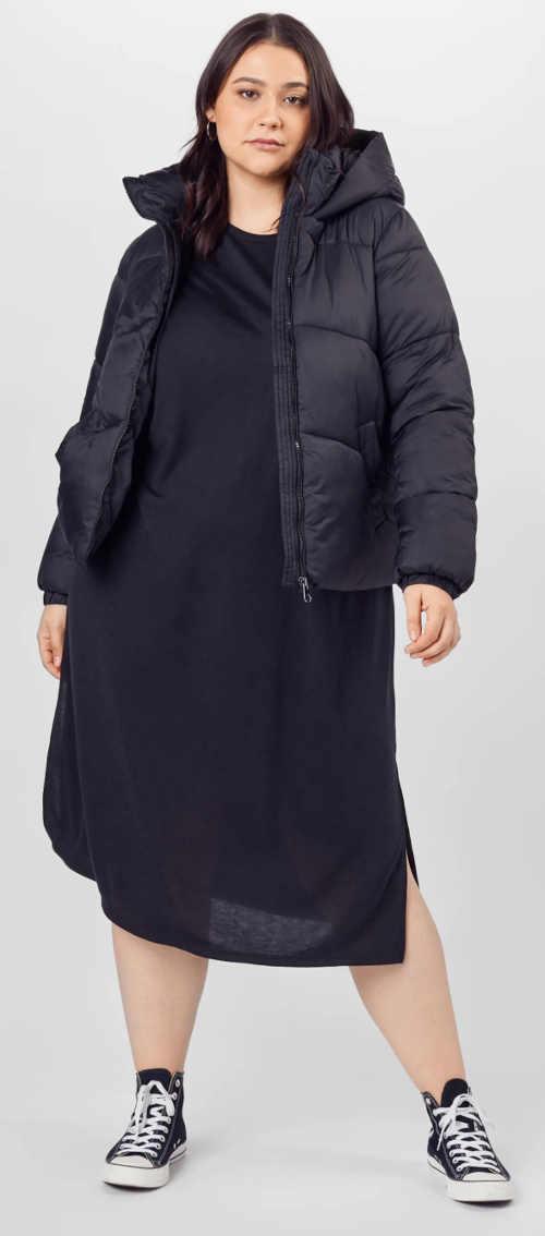Černá dámská bunda pro plnější tvary s délkou do pasu