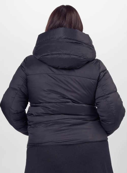 Levná černá zimní bunda pro plnoštíhlé