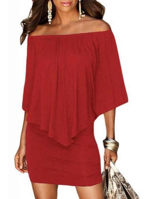 Módní dámské šaty v červeném provedení a vrstveném střihu