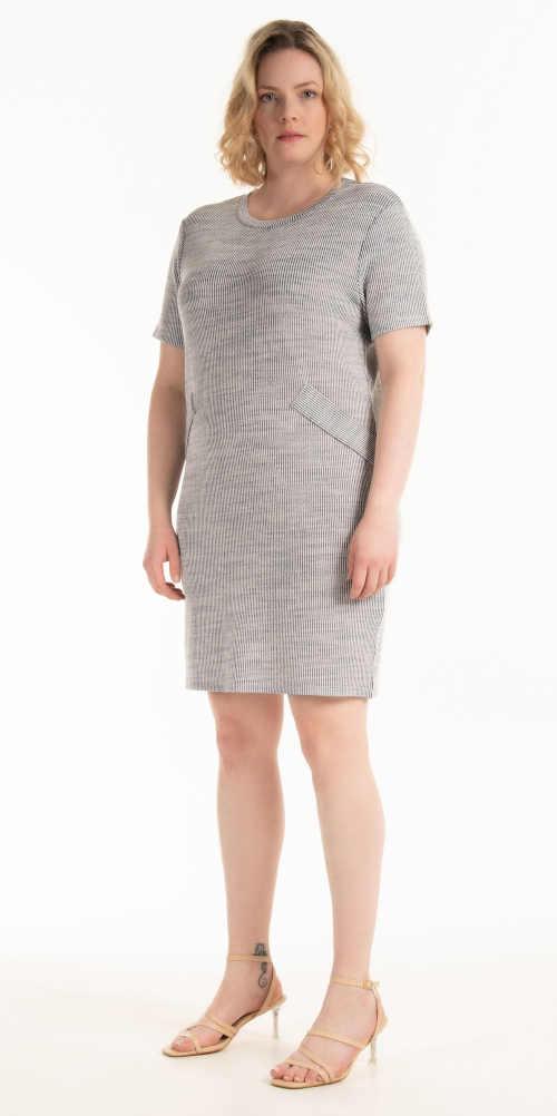 dámské šaty v jednoduchém střihu