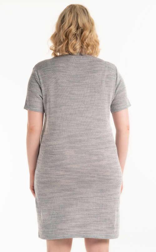 nadčasové šaty pletené ke krku