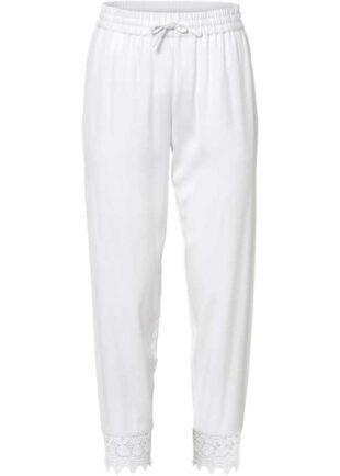 Bílé kalhoty v komfortní 3-4 délce s krajkovým lemem