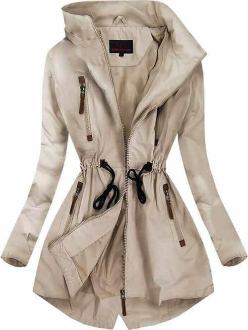 bunda s kapucí a kapsami