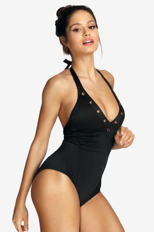 Moderní černé jednodílné plavky s vyjímatelnými vycpávkami