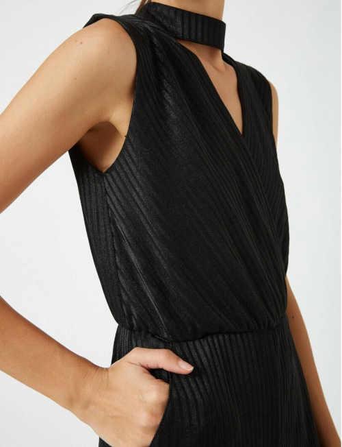 moderní dámský černý overal