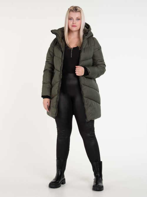 lesklá prošívaná bunda s kapucí